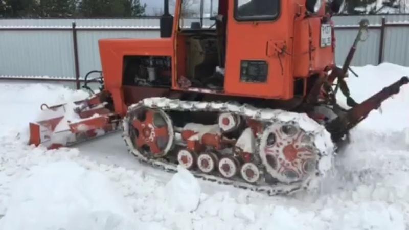 Трактор Т 54В Болгар с бульдозерным оборудованием на расчистке снега