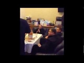Украина сходняк новой честной власти. Ярош и олигархи