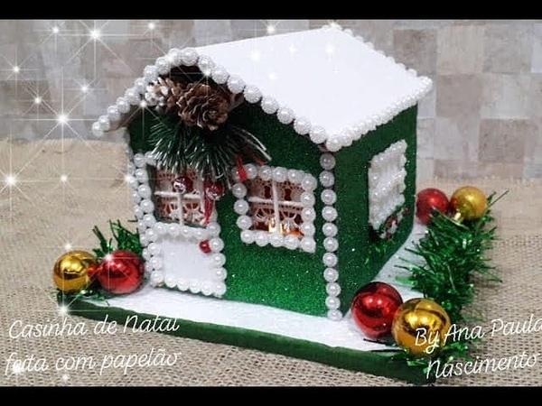 Casinha de Natal feita de papelão e eva