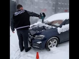 Воздуходуйка для быстрой чистки авто от снега