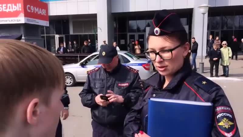 Путинскіе менто клоуны менто клоунша а также чеченецъ на подтанцовкѣ Новокузнецкъ Пасха Свѣтлый четвергъ 2019