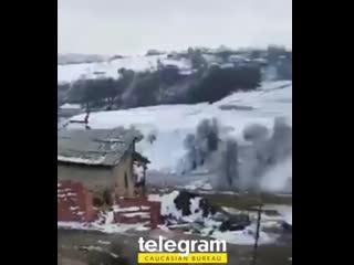 В Гедабеке неизвестный бизнесмен построил дом и подарил тайно родителям Шехида Карабахской войны.