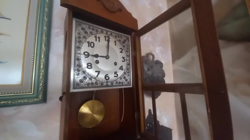 Настенные часы с боем Junghans, начало ХХ века. На ходу.