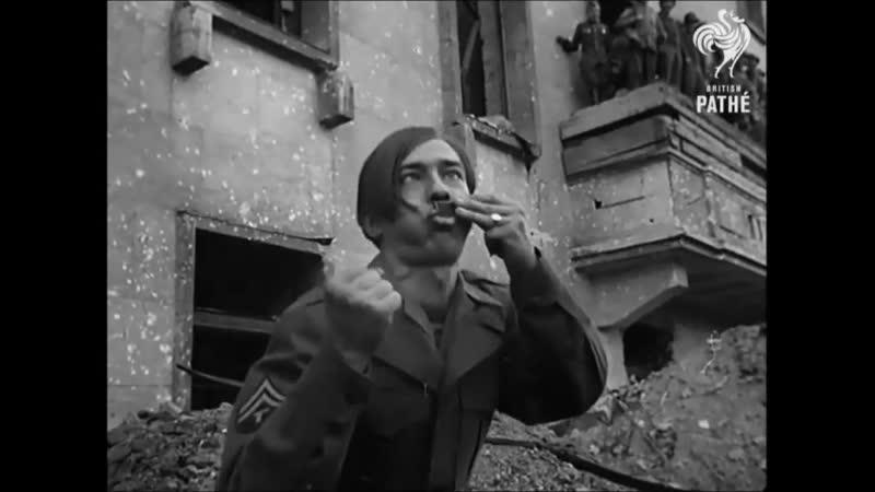 Британец передразнивает Гитлера