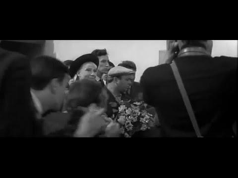 Вы были за границей В Берлине Праге В качестве туриста Нет в пехоте Тридцать три 1965 г