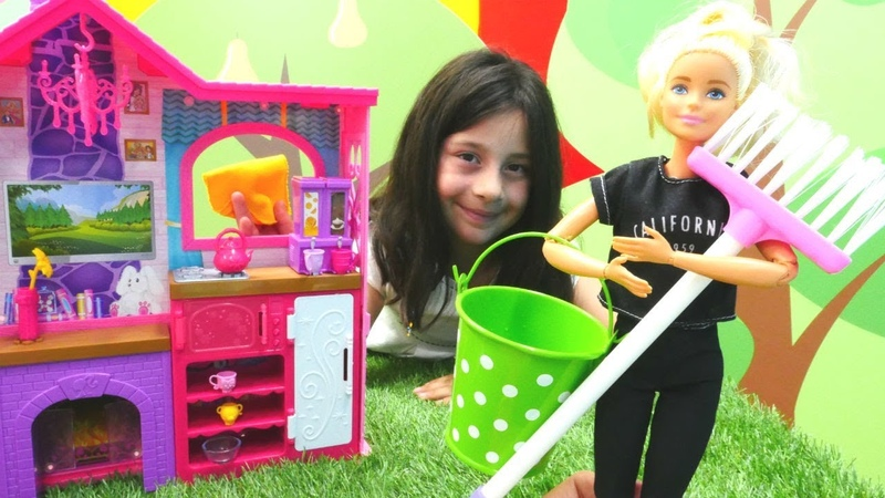 Barbie yazlık evini düzenliyoruz Yeni mobilya havuz ve hamak