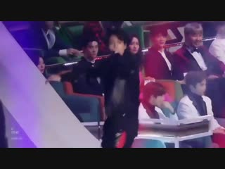 Jeon jungkook aka the sexiest man in the world attracting all the mcs in there with his mi