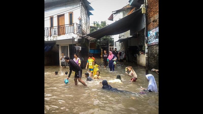 Heavy rains flood Indonesias capital city Jakarta
