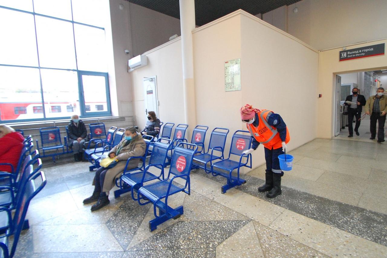 Электрички «Ростов-Главный – Таганрог» проверили на соблюдение масочного режима