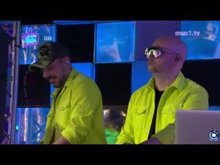 FILATOV & KARAS - Чилить (Шоу Вечернии Лаик)