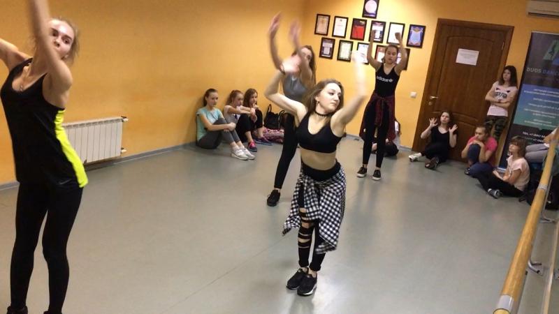Dancehall Sveta Hati duos dance studio ahzee go gual