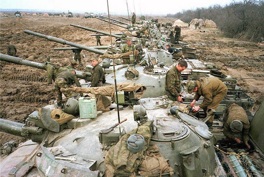 Т-62 160-го полка во время осмотра и проверки матчасти