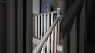 Свежеиспечённая лестница для дома от компании Сан Стаирс
