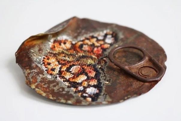 Литовская мастерица Северия Инсираускайте-Криауневисиене покорила мир своей вышивкой по металлу Среди множества поразительных техник вышивки эта - одна из самых необычных и интересных. Работы