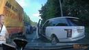 Водителя Ренджера не пустили по обочине, он стал ругаться матом и сломал зеркало.