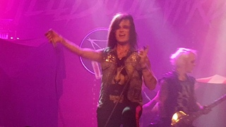Hell Boulevard - Baby One More Time (Britney Spears cover) -  Memmingen, Germany