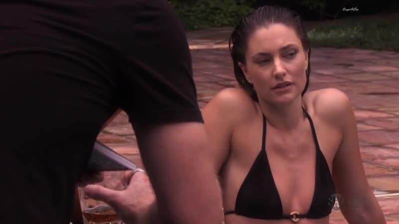 Madchen Amick in bikini sexy and beautiful Californication S02E08