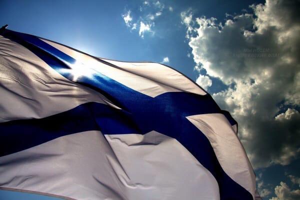 Андреевский флаг в качестве официального флага военного флота России