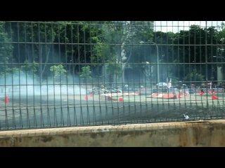 Car porn formula drift singapore 2010 f1 flyer pit