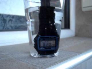 Casio F-91W тест на водонепроницаемость