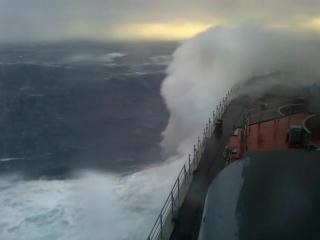 БПК Адмирал Левченко в 8-бальный шторм. Запись из ходовой рубки.