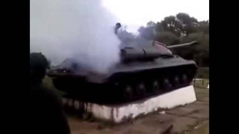 Константиновка ополченцы заводят танк памятник