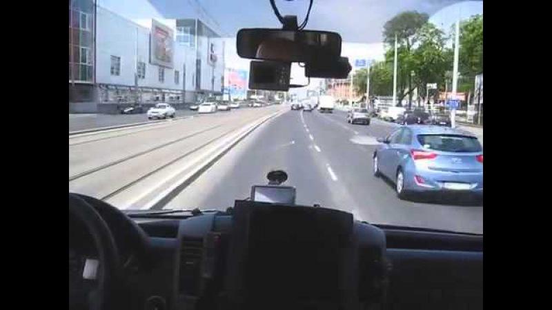 Что творит водитель скорой помощи