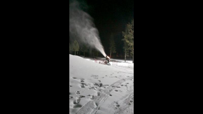 Искуственный снег, искреннее удовольствие!