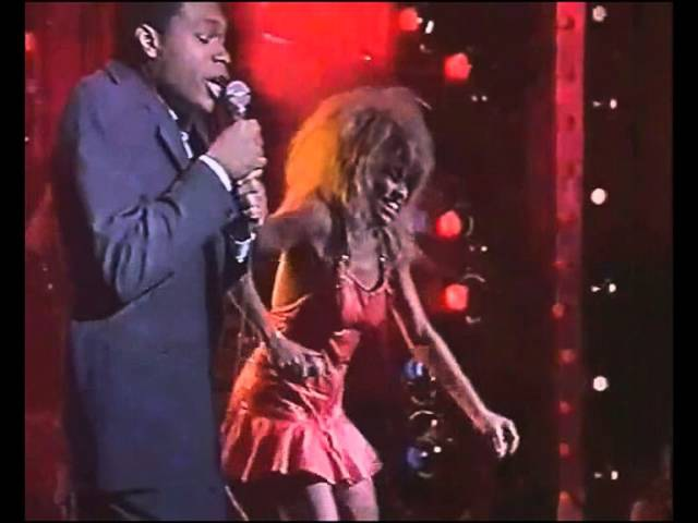 Tina Turner Duet with Robert Cray 634 5789 Live
