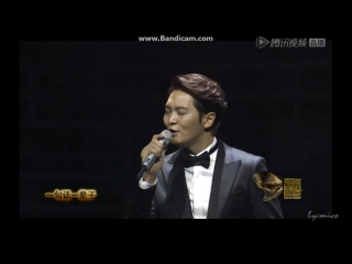 151103 #joowon wins the most popular actor (overseas) awards trophy @ asian influence awards