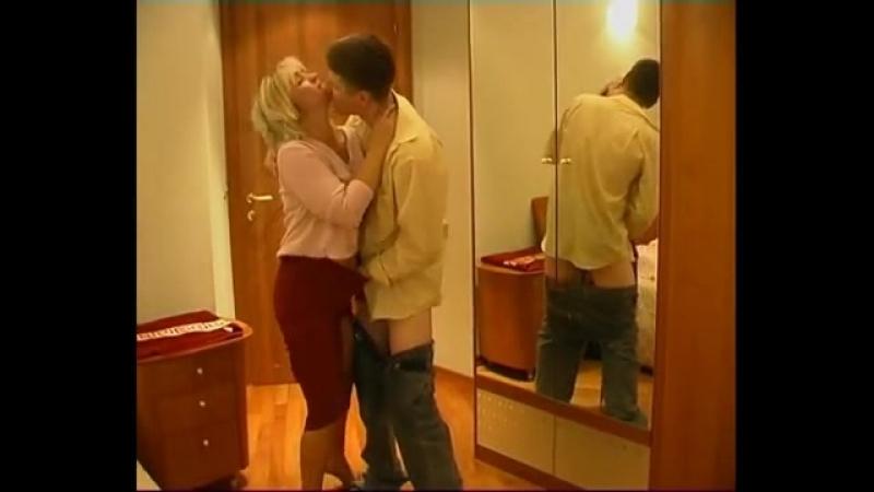 seks-on-podoshel-szadi-i-vospolzovalsya-moey-bespomoshnostyu