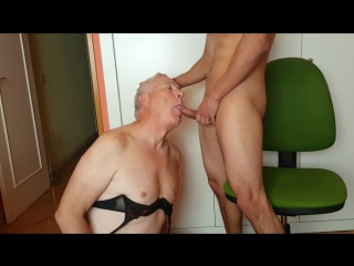 Crossdresser eat cum old and young slave old man suck cock oldman swallow twink boy daddy old gay -