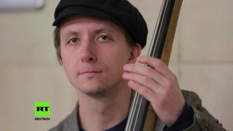 Einmal in Russland Musik auf und unter Moskaus Straßen