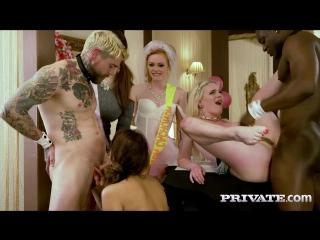 Carly Rae Ella Hughes Lucia Love Suzy Rainbow (Orgy in the Restaurant)[2017 All Sex Group HD 1080p]