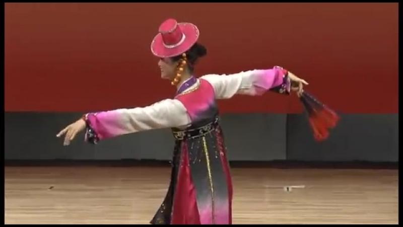 제8차 조선무용경연대회 독무 《젊은무희》