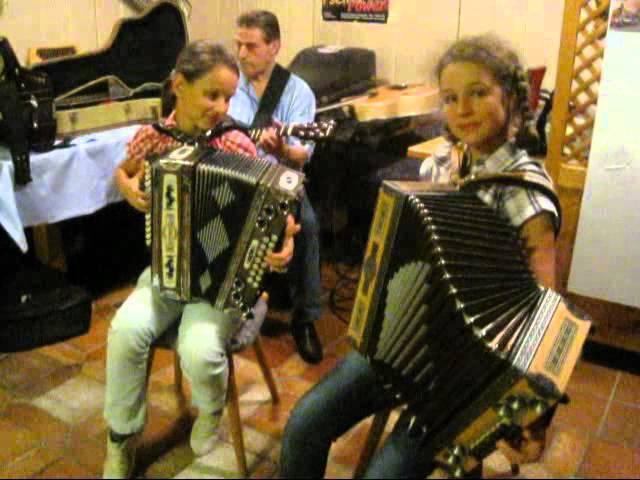 Melanie und Jolanda mit der Paul und sein Gaul vom Goldried Quintett
