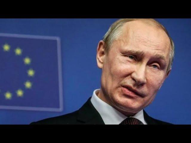 И хоть бы кто то из 86% заступился В Санкт Петербурге на билборде Путина написа