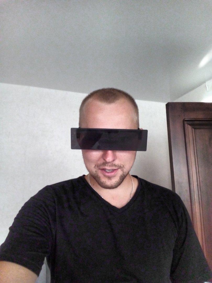 линза алексей данаев фото человека
