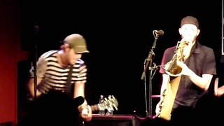 9mm And A Three Piece Suit [HD], by Streetlight Manifesto (@ Q-Bus, )