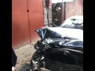Разбитый автомобиль Дениса Беринчика
