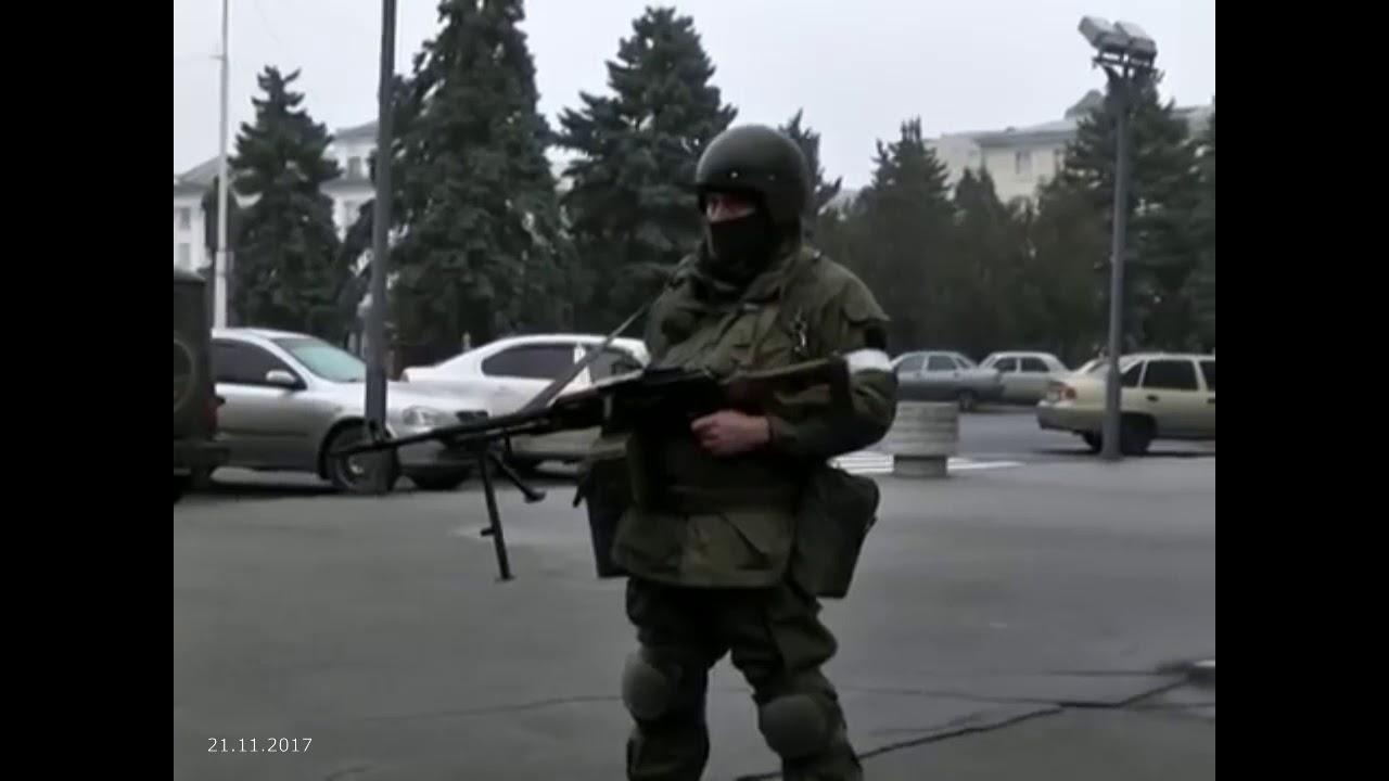В Луганске боевики заблокировали микрорайон около «Дома правительства»