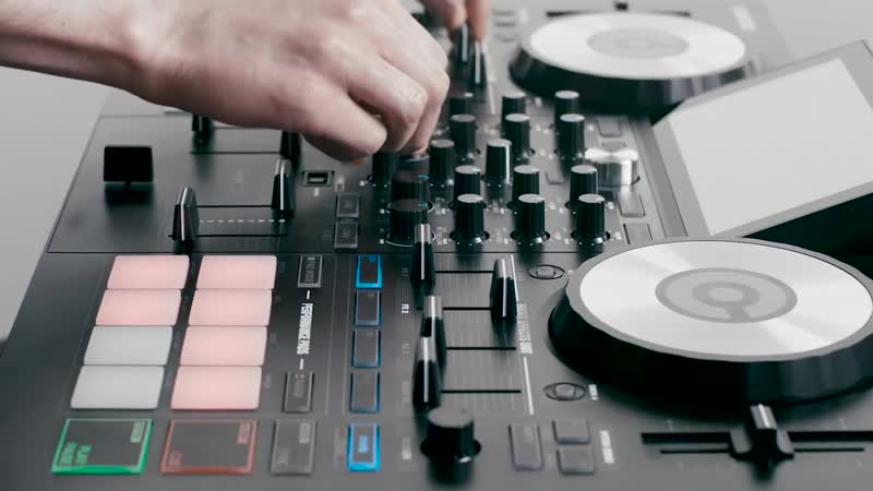 Reloop TOUCH – First 7 Multi-Touch Screen DJ Controller for Virtual DJ (Introduction)
