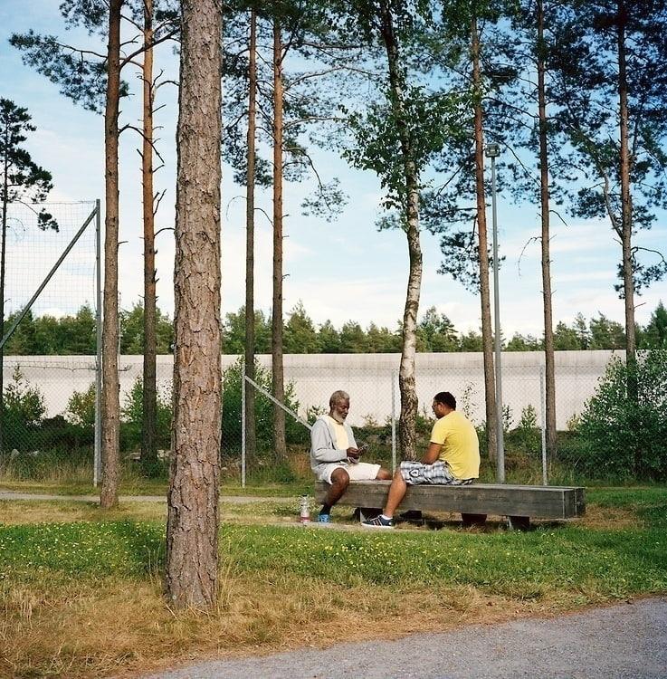 Всё нормально, это просто тюрьмa в Hoрвегии, в загнивающем западе.