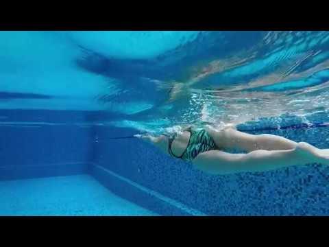Swimming. Школа плавания. Смена рук в воде.