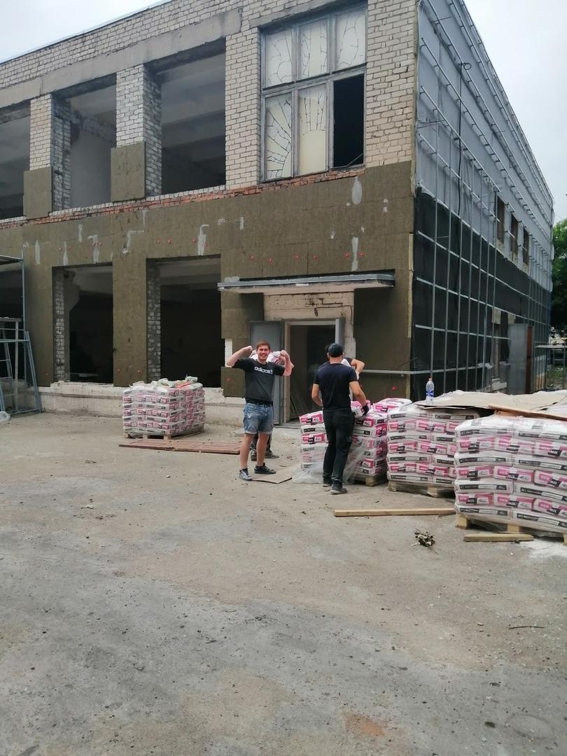 В Губкинском горно-политехническом колледже идёт ремонт мастерских.