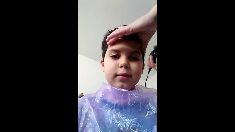 Taglio i capelli a mio figlio a casa