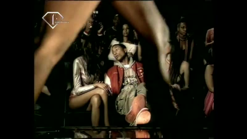 FTV.com - MODELS NAOMI CAMPBELL IN JAY-Z MUSIC CHANGE CLOTHES FEM