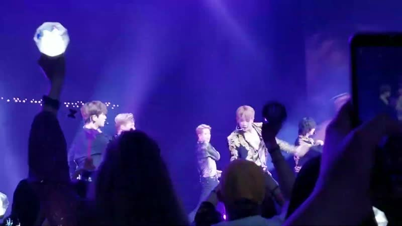 [VK][06.08.2019][Fancam] The 3rd World Tour WE ARE HERE in Chicago - Jealousy