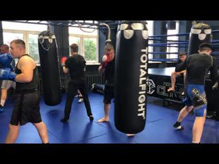 Руслан романович - вечерняя группа по классическому боксу