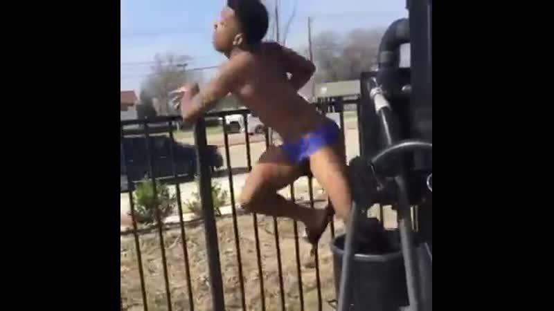 Guy twerking on cardi bs song money